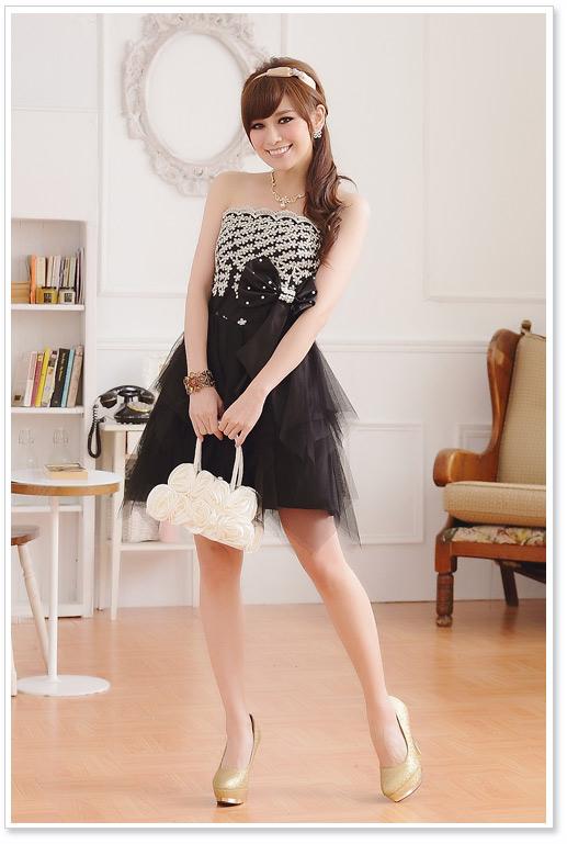 画像1: 大きいサイズあり!!パーティー♪結婚式に♪上品刺繍☆ドレスワンピース♪カラー2色/ブラック・ホワイト